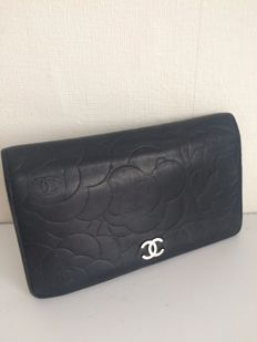 Chanel - Camellia - leather wallet