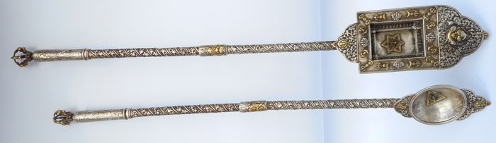 Fire ritural instruments, 950 silver + gold-plated parts - Tibet - 19th century