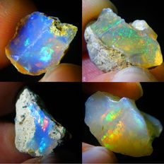 Four Natural Beautiful Color Play Welo Opals - 24,56 Ct (4)