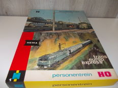Lima/Hema H0 - 208027/632113/-302/-308 and more - 2 train sets of the NMBS.