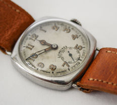 Longines, men's mechanical watch, military, 1925/40.