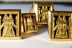 18 kt yellow gold vintage set from Bolivia: consisting of signet ring, cuff links and a tie pin
