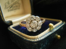 Daisy ring , Au 585, silver, 1.20 ct old brilliant cut Diamond