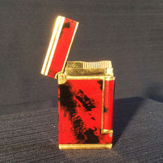 S.T. Dupont lighter.