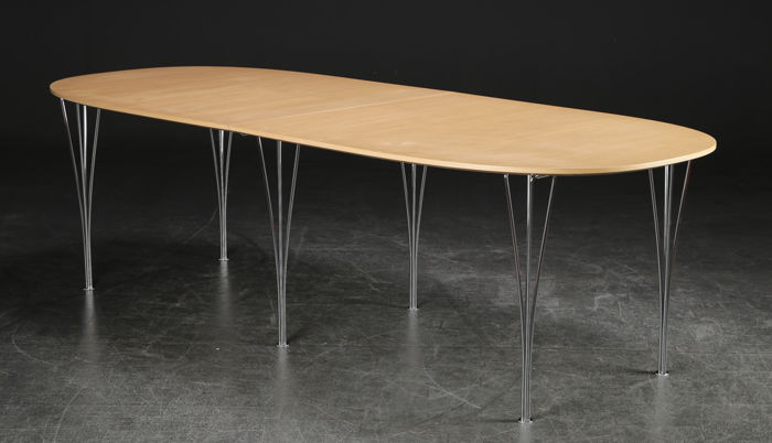 Arne Jacobsen, Piet Hein, Bruno Mathsson for Fritz Hansen – Super elliptical table.