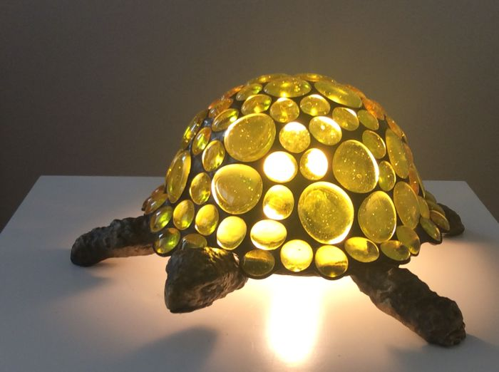 Beautiful stained glass turtle lamp