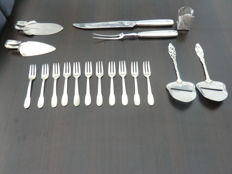 Collection silver plated Table -and kitchen utensils of Dutch manufacture, 1st half of the 20th century.