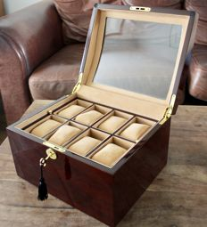LUXURY WALNUT FINISH WATCH BOX FOR 16 WATCHES  - Unisex - 2011-present