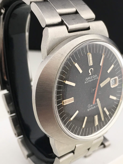 Omega — Geneve Dynamic - Stainles Steel - Black dial - automatic  -cal 565- serviced- 1970-1979