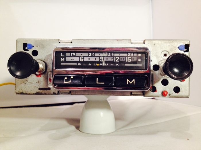 Blaupunkt Bremen classic car radio from the 1960s for Porsche 911, 912 ,914, 356 and others