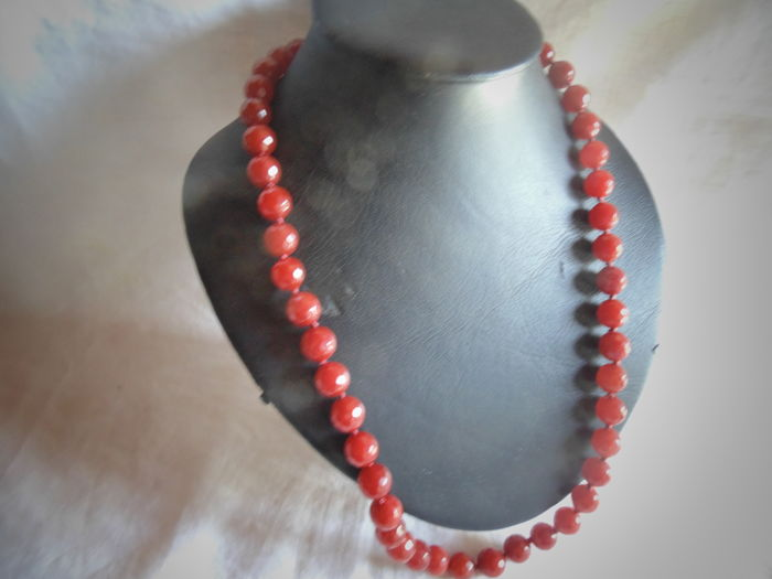 Hallmarked 750 gold (18 kt) - long carnelian necklace - 66 cm Hand-knotted to avoid the stones rubbing
