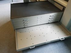 Vintage Industrial Metal drawer chest for drawings
