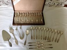 Silver plated open work coffee, tea and cake cutlery with cake slice, cake fork, sugar tongs and sugar spoon