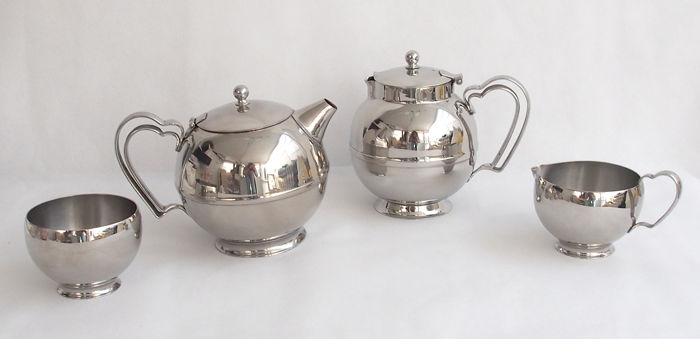 Stainless Steel 4 Piece Tea Set By Olde Hall, England c. 1929 - 1951