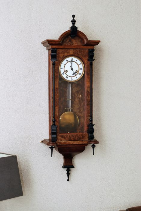 Regulator clock – Antique Junghans movement with an authentically built replica case, period: 2000s