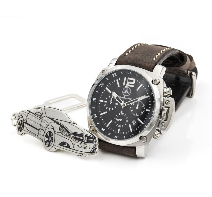 Lot of S&S men's watch for Mercedes + Sterling silver key ring with a reproduction of the SLK model