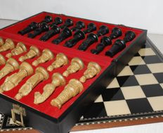 Chess board with knights - Italy