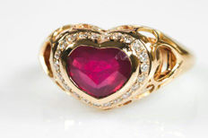 Heart ring with 2.22 ct ruby and diamonds