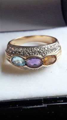 14kt ring with 3 different colour gemstones and 0,54ct diamond ** NO RESERVE **