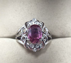 Pink Sapphire, diamond, 18K gold ring. Gem weight: 1.49 ct * no reserve price *