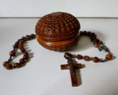 A Coroso-nut - carved rosary - box, pomander - France - ca. 1850
