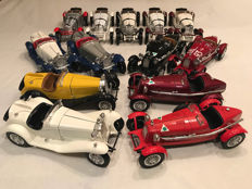 Bburago - Scale 1/18 - Lot with 13 models: 4 x Alfa Romeo 2300 Spider,  4 x 8C 2300 Monza & 5 x Mercedes SSKL