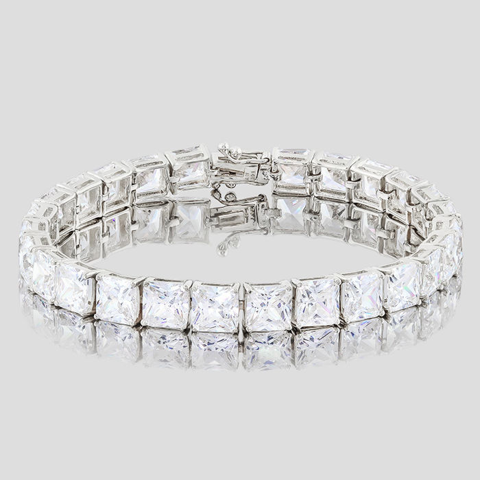 14KT white gold bracelet set with 26 created moissanites- Total Length : 7 inches