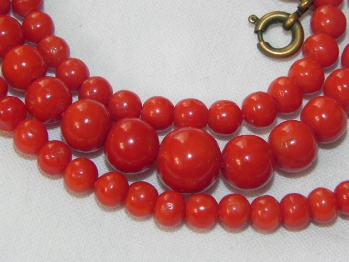 Old, polished, red coral  necklace Top