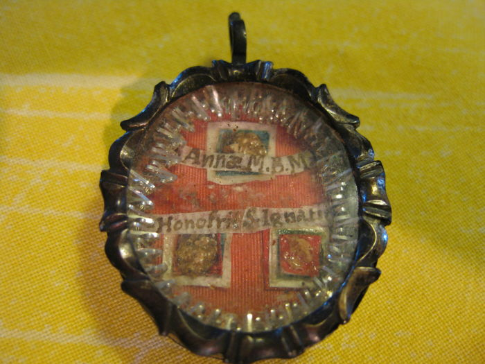 Late 18th-century reliquary pendant - Italy - with box