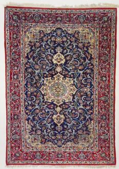 Persian carpet, very fine and beautiful Isfahan, 310 x 212 cm