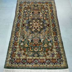 Fantastically detailled silk Isfahan oriental carpet - 157 x 90 - very special design - 1,000,000 kn/m2