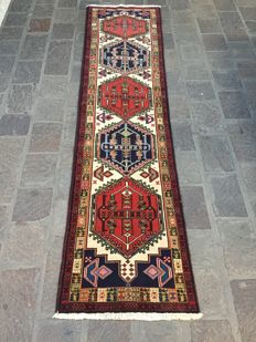 Persian Ardebil carpet, hand-knotted, 285 × 70  cm, Iran, year: circa 1990