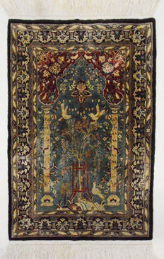 China Hereke silk on silk, tapestry, 100 x 64 cm