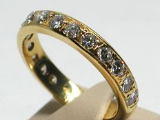 Diamond eternity ring 1,50ct. Ring size BE 51 // NL 16,25mm // 18K yellow gold