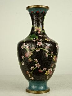 Cloisonné vase with blossom - China - around 1900-1925