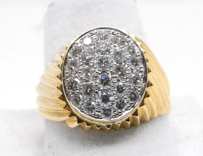 Mens Diamond Ring 1,33 cts // 18K yellow & white gold // can be resized free of charge to size 80