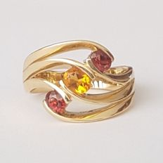 Ring in 18 kt yellow gold with garnets and citrine - Size: 17.7 mm 16/56 (EU)