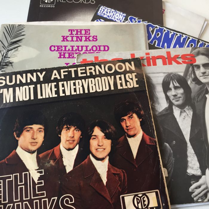 The Kinks, lot of 6 7inch singles including Sunny Afternoon and Apeman picture sleeves