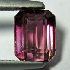 Rubellite Purplish pink - 0.97 ct