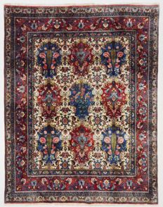 Persian carpet, very fine Bakhtiar with silk, 250 x 194 cm