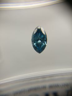 0.36 ct Marquise cut diamond Fancy Deep Greenish Blue SI1