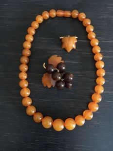 Old, Baltic Amber necklace and brooches set from 2nd half of 20th century, USSR era, 53 grams