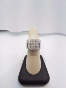 Versace 18ct White Gold Diamond Ring - Size EU 56.3