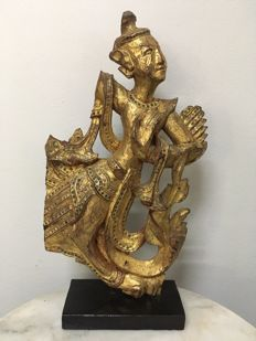 Beautiful Wooden Gilt Kinnara. Mandalay period (ca. 39 cm) - Burma - 19th century.