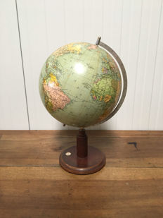 Philips Standard Globe with mahogany wooden foot - England - ca. 1930