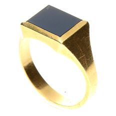 "14 kt yellow gold, vintage signet ring with ""Lagensteen"", 7 x 9 mm"