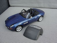Kyosho - Scale 1/18 - BMW Z8 cabrio with soft top roof - Blue