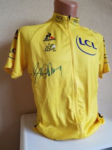 Lance Armstrong - hand-signed yellow jersey + COA.