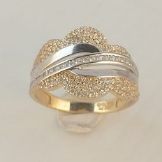 Women´s ring in 14 kt gold set with 0.40 ct diamond - Ring size 17½ / 55 ***no reserve price***