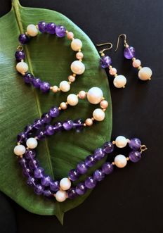 New Handmade 18 and 14 Carats Parure White Freshwater Cultured Pearls - Necklace  Bracelet and Earrings - Weight 111,04